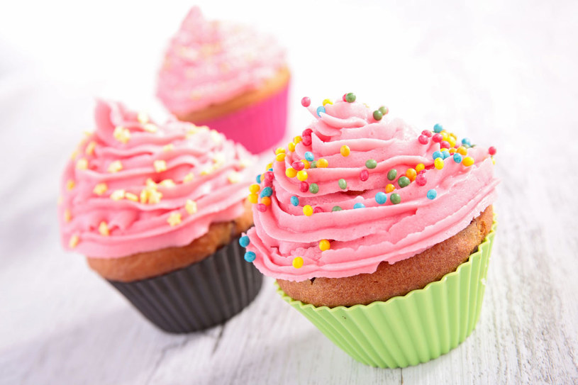 Cupcake z kremem porzeczkowym /123RF/PICSEL