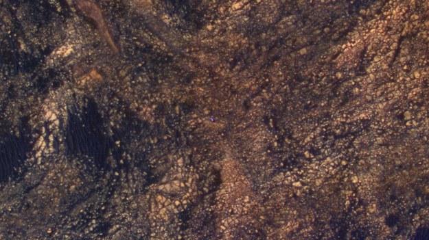 Curiosity Mars Rover w rejonie Mount Sharp, 5 czerwca 2017 roku / NASA/JPL-Caltech/University of Arizona /materiały prasowe