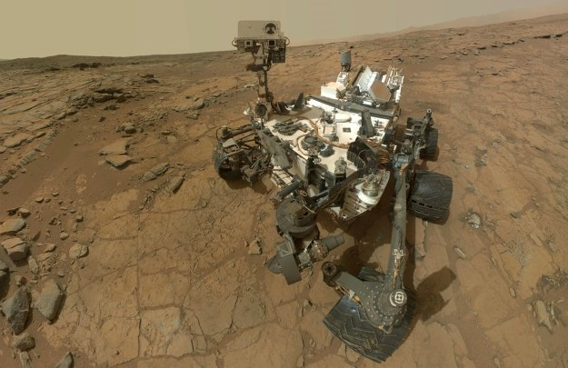 Curiosity na powierzchni Marsa /AFP