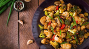 Curry z kurczakiem i brokułami
