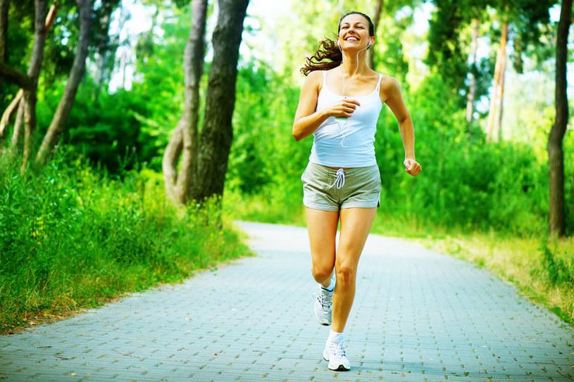 Ćwiczenia aerobowe są skuteczne w zwalczaniu złego cholesterolu /123RF/PICSEL