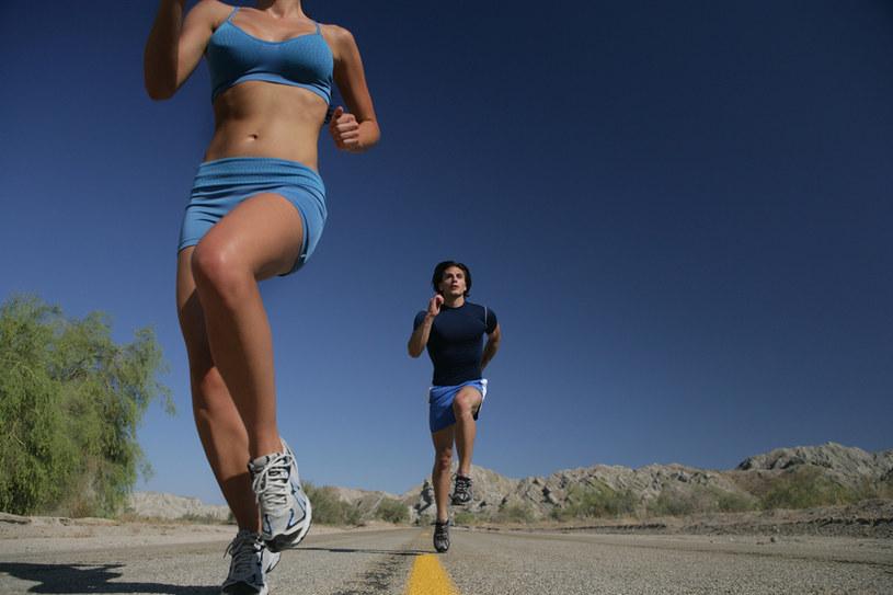 ćwiczenia fizyczne /© Photogenica
