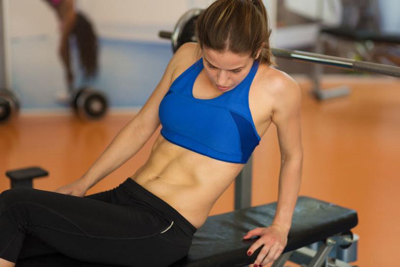 Ćwiczenia i dieta nie pomogą, żeby osiągnąć taki efekt, jeśli masz zaburzoną gospodarkę hormonalną /123RF/PICSEL