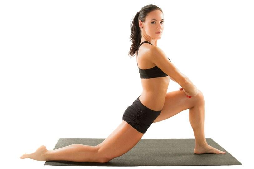 Ćwiczenia na ładne nogi /123RF/PICSEL