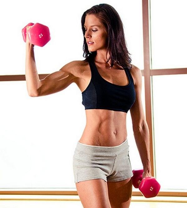 Ćwiczenia na masę mięśniową /© Photogenica