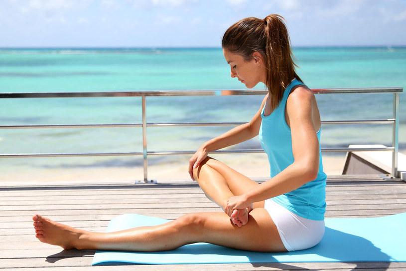 Ćwiczenia na plaży to bardzo przyjemny sposób na poprawienie sylwetki i ujędrnienie ciała /123RF/PICSEL