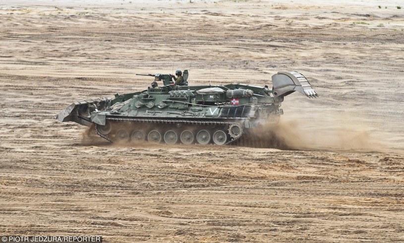 Ćwiczenia NATO na poligonie w Żaganiu /Piotr Jędzura /Reporter