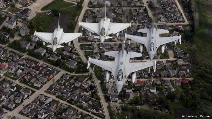 Ćwiczenia natowskich samolotów nad Litwą /I. Kalnins/ /© 2020 Reuters