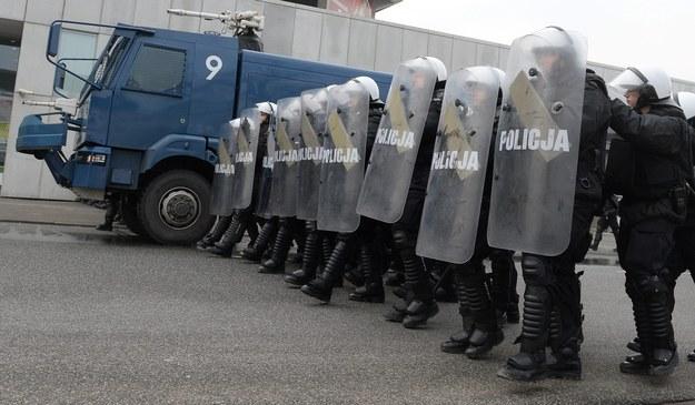 Ćwiczenia policyjnych oddziałów prewencji w Warszawie, luty 2015 /Bartłomiej  Zborowski /PAP