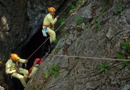 Ćwiczenia ratowników TOPR / fot. A. Chelstowski /Agencja FORUM