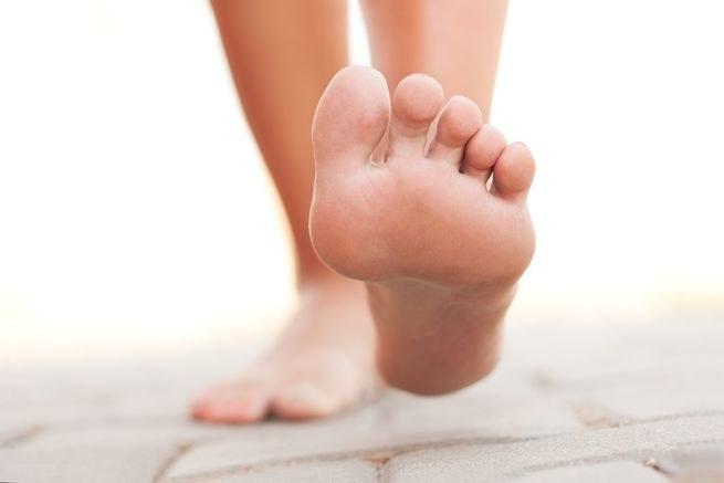 Ćwiczenia stóp /© Photogenica