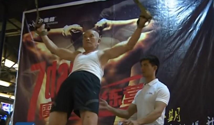Ćwiczenia to ważna część jego życia /New China TV /YouTube
