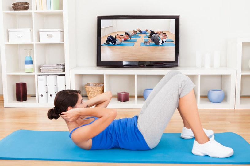 Ćwiczenia w domu /©123RF/PICSEL