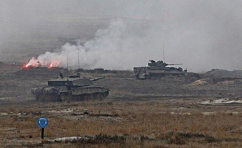 Ćwiczenia wojsk polskich i brytyjskich w Świętoszowie /AP /East News