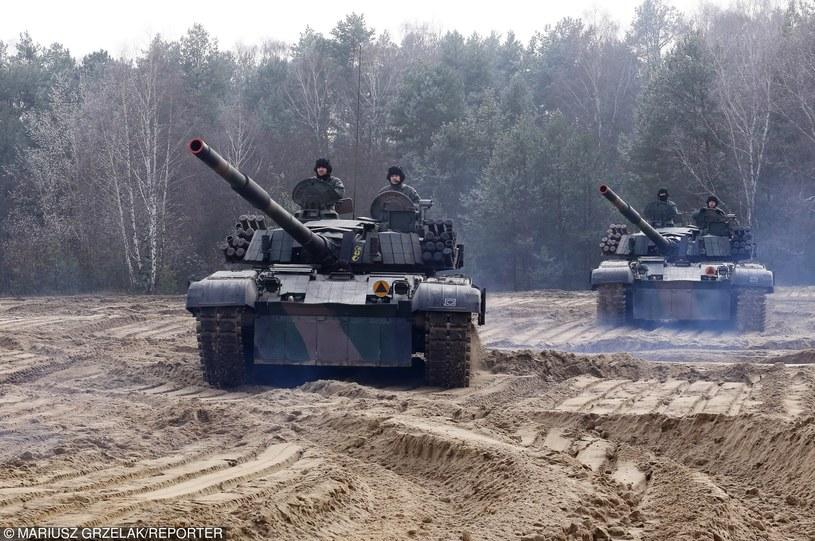 Ćwiczenia wojskowe na poligonie 1 Brygady Pancernej w Wesołej z udziałem czołgów PT-91; zdj. ilustracyjne /Mariusz Grzelak/REPORTER /Reporter