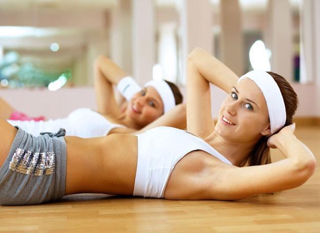 Ćwiczenie w domu także jest skuteczne /123RF/PICSEL