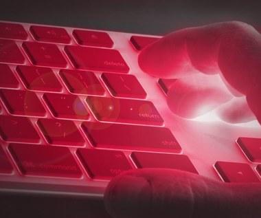Cyberataki - czy uwierzytelnianie dwuskładnikowe powstrzyma hakerów?