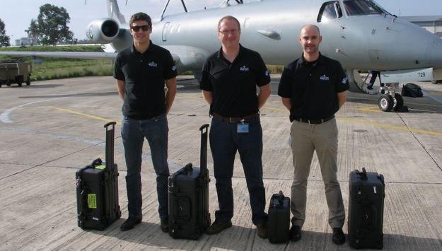 """Cybermeni, czyli """"Faceci w czerni"""" z NATO - nie wyglądają groźnie, ale ich rola w na cyfrowym polu walki jest bardzo duża. Foto: Nato.int /materiały prasowe"""
