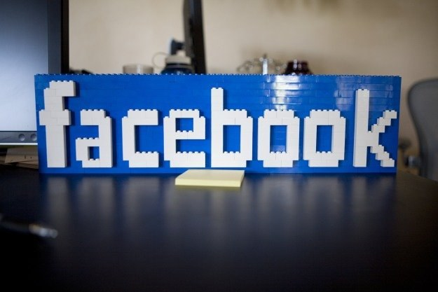Cyberprzestępcy wymyślają coraz nowsze sposoby, aby zarobić na użytkownikach Facebooka /AFP