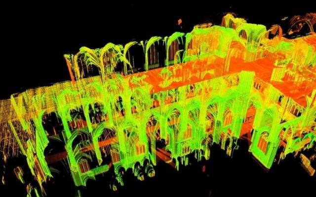 Cyfrowe skany z 2015 roku pomogą odtworzyć katedrę Notre Dame de Paris /YouTube