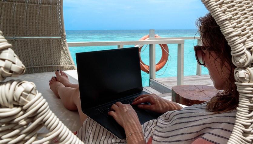 Cyfrowy nomadyzm: Styl życia, o którym wszyscy marzymy