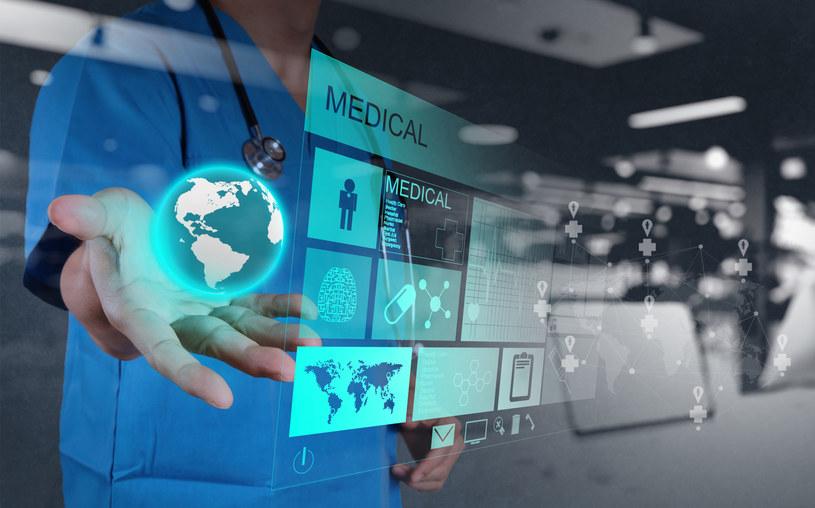 Cyfryzacja może rozwiązać bolączki służby zdrowia /123RF/PICSEL
