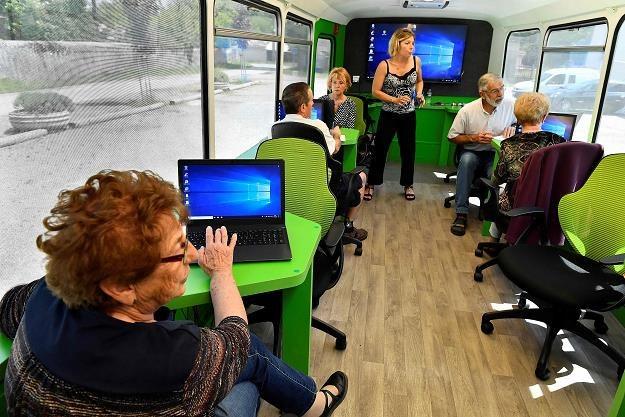Cyfryzacja w Polsce to problem /AFP