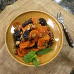 Cymes, czyli potrawka z marchewki i rodzynków