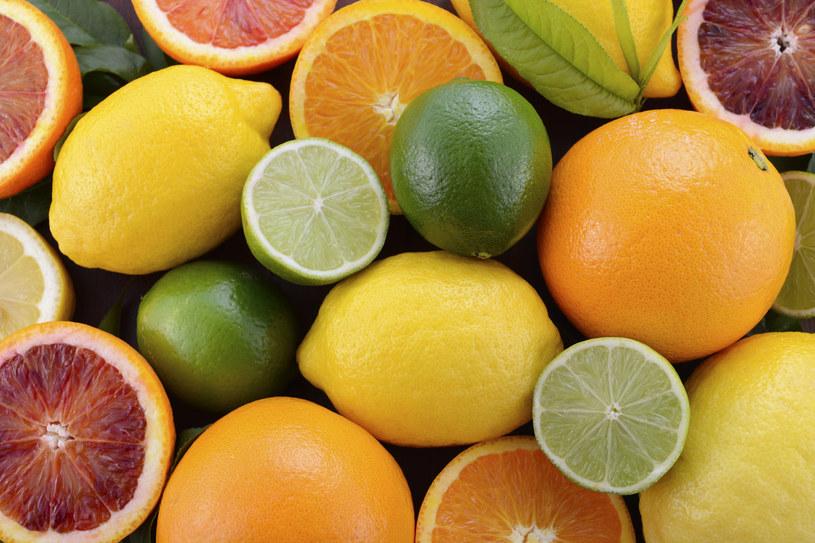 Cytrusy zawierają nie tylko witaminę C, ale też cenne przeciwutleniacze /123RF/PICSEL
