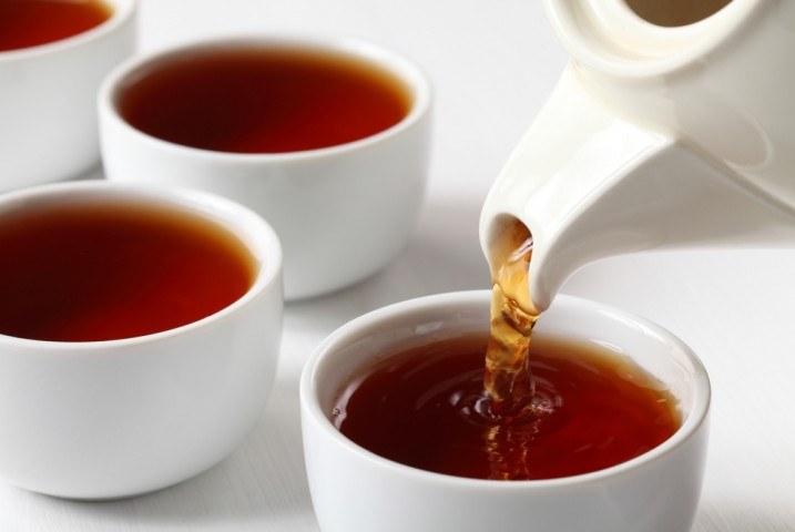 Czarna herbata właściwości /© Photogenica