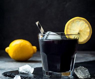 Czarna lemoniada: Najlepsza na odchudzanie i oczyszczanie