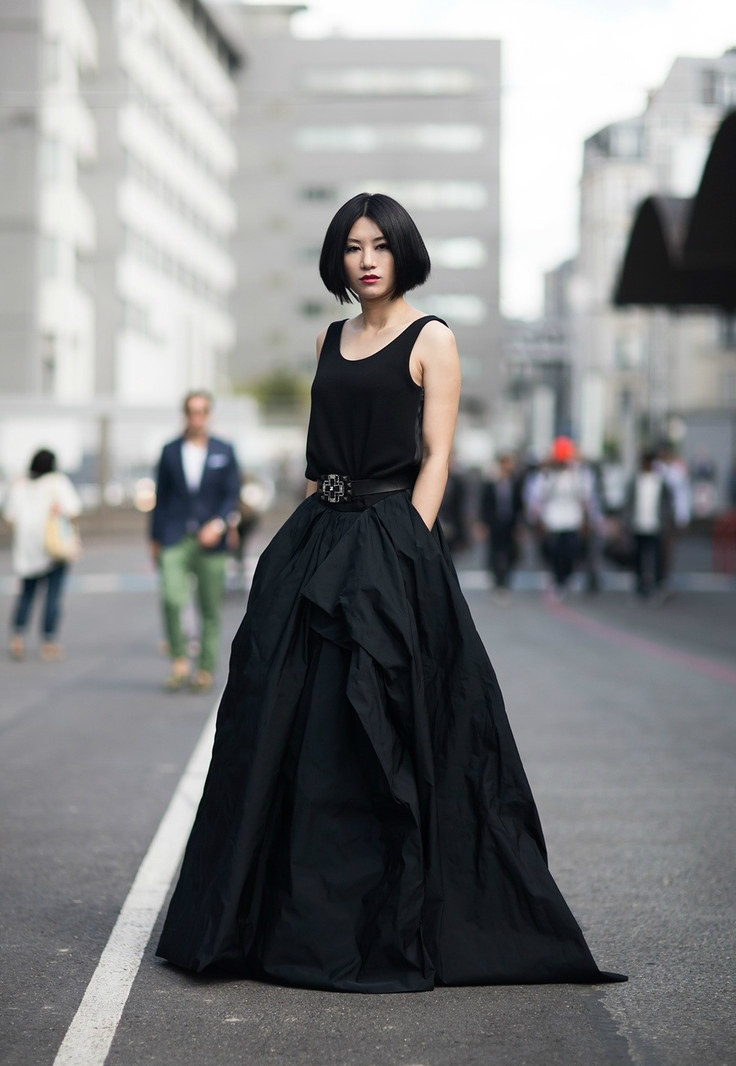 czarna sukienka /© Photogenica