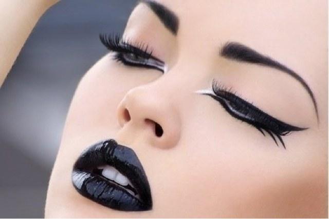 czarna szminka /© Photogenica