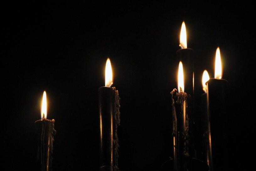 czarne świece /© Photogenica