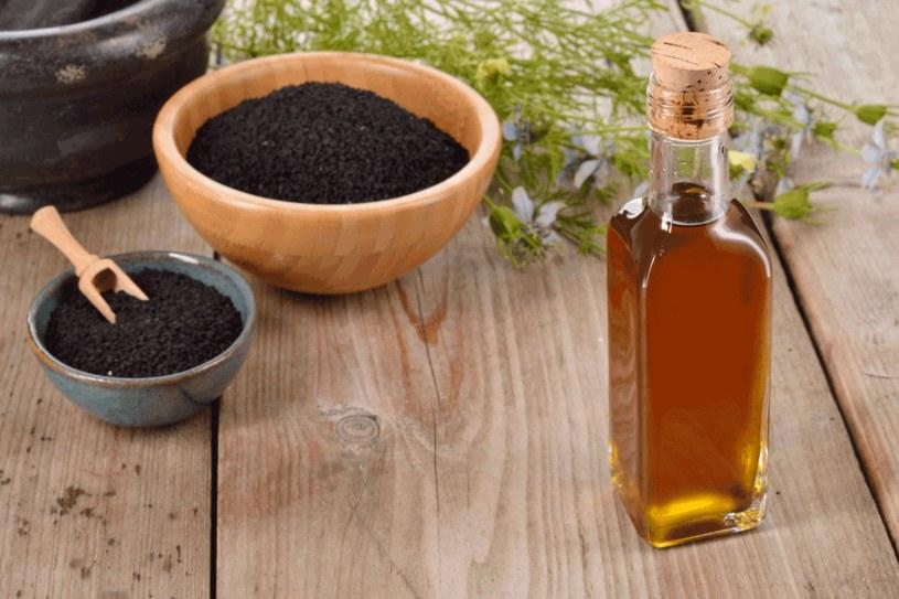 Czarnuszka ma zastosowanie w kuchni i kosmetyce /123RF/PICSEL