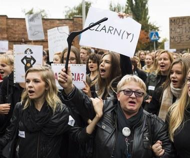 """""""Czarny Protest"""": Gwiazdy walczą o prawa kobiet"""