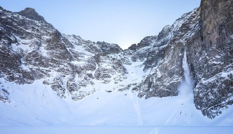 Czarny Staw pod Rysami zimą /Wikipedia