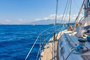 Czarter jachtu na koniec wakacji? Nic prostszego!