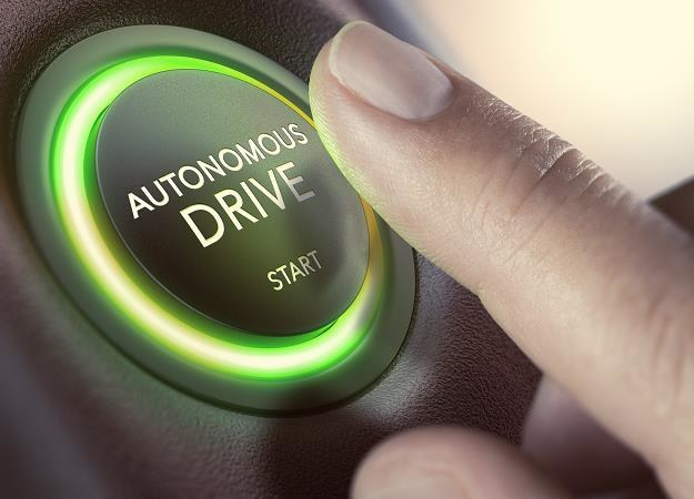 Czas na samochody autonomiczne /©123RF/PICSEL