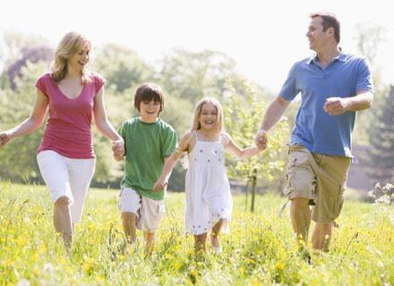Czas spędzony w gronie rodziny, na pewno korzystanie wpłynie  na każde dziecko /© Panthermedia