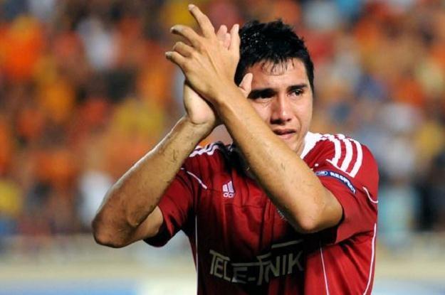 Czasem nawet dojrzali faceci ronią łzy. Gervasio Nunez po porażce w Nikozji. Fot. J. Żmijewska /INTERIA.PL