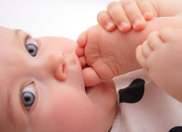 Czasem odkształcenie czaszki wynika z tego, że jeszcze w macicy dziecko było ułożone asymetrycznie /© Panthermedia