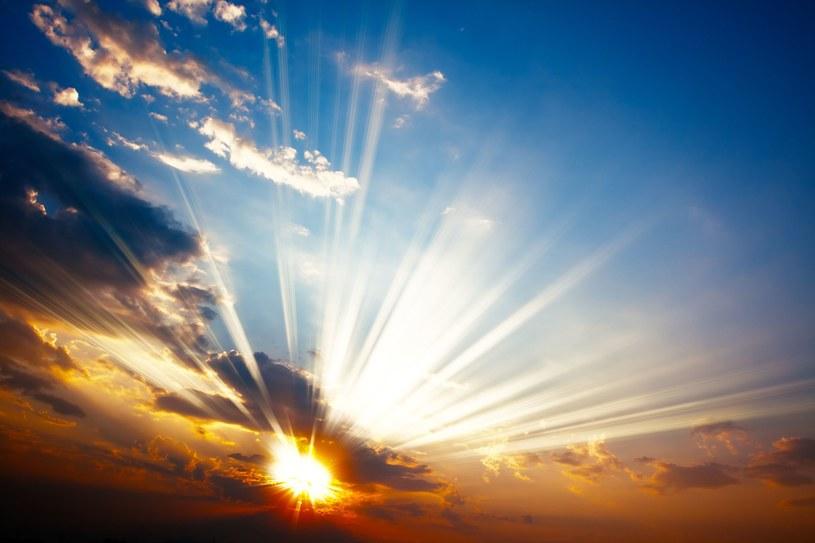 Czasem, słońce, czasem deszcz... /123RF/PICSEL