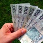 Czasowa rezygnacja z regulaminowych i umownych składników wynagrodzenia