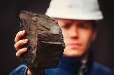 Czechy. Ekolodzy protestujący przeciwko wydobyciu węgla zeszli z koparki w kopalni na północy kraju