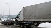 Czechy: Polak holował furgonetkę na małej przyczepce