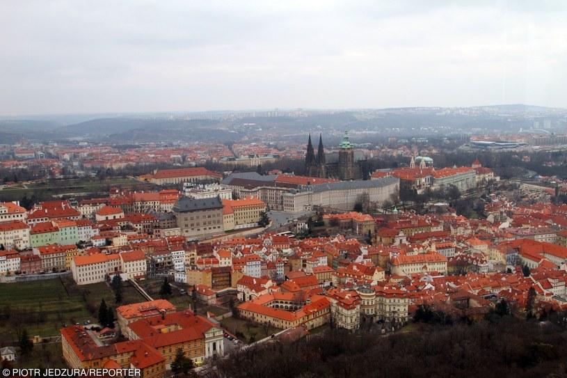 Czechy, Praga. Widok na katedrę św. Wita i Hradczany /PIOTR JEDZURA/REPORTER /East News