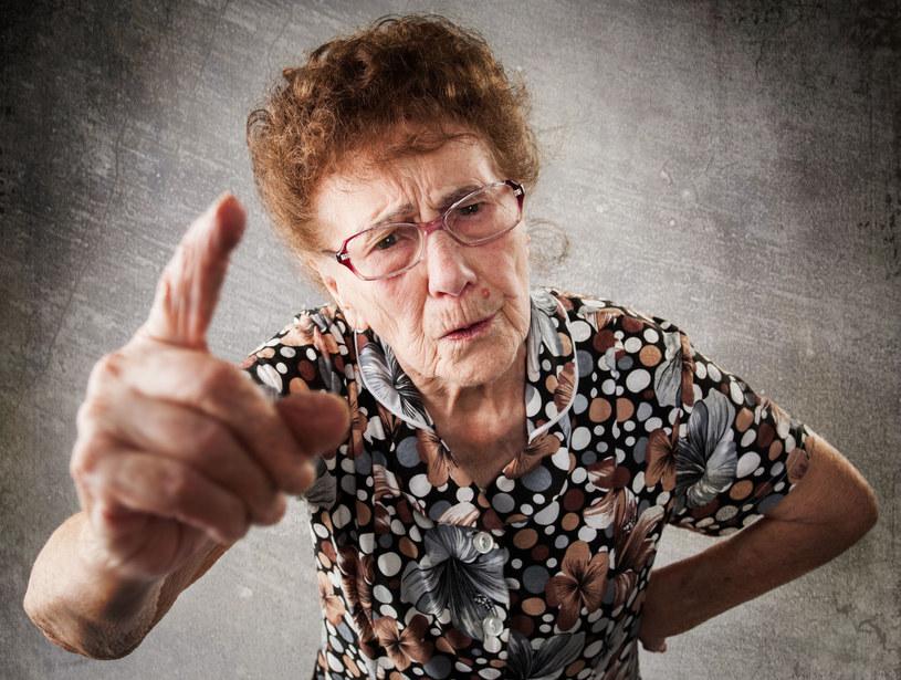 Czego byś nie zrobiła, z mamunią raczej nie wygrasz... /123RF/PICSEL