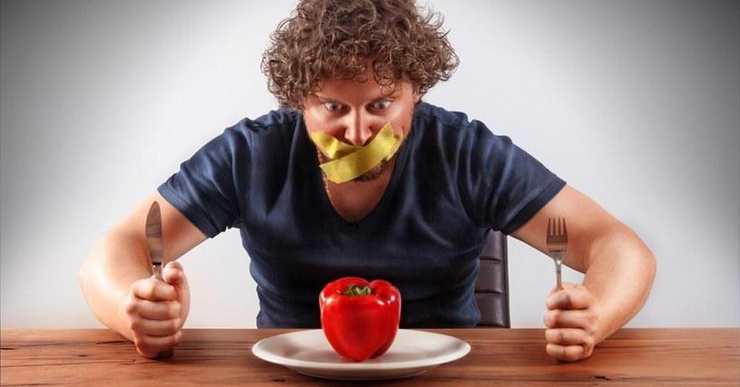 czego nie jeść /© Photogenica
