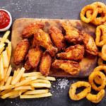 Czego nie wolno jeść na kolację? Oto lista produktów